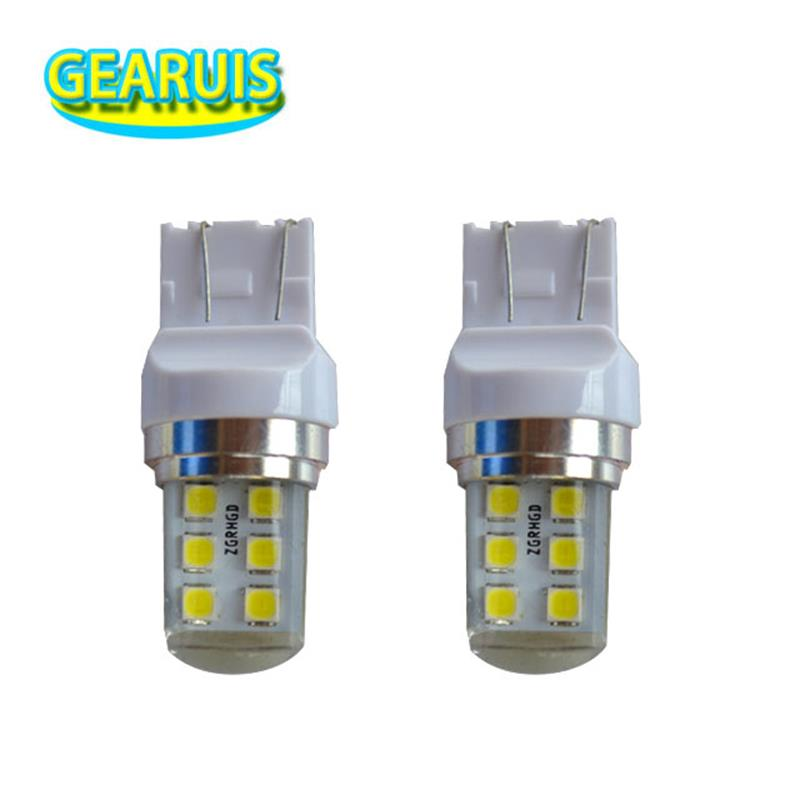100pcs T25 3157 T20 7443 Strobe flash Blink 12 SMD 2835 LED Silicone reverse lights brake