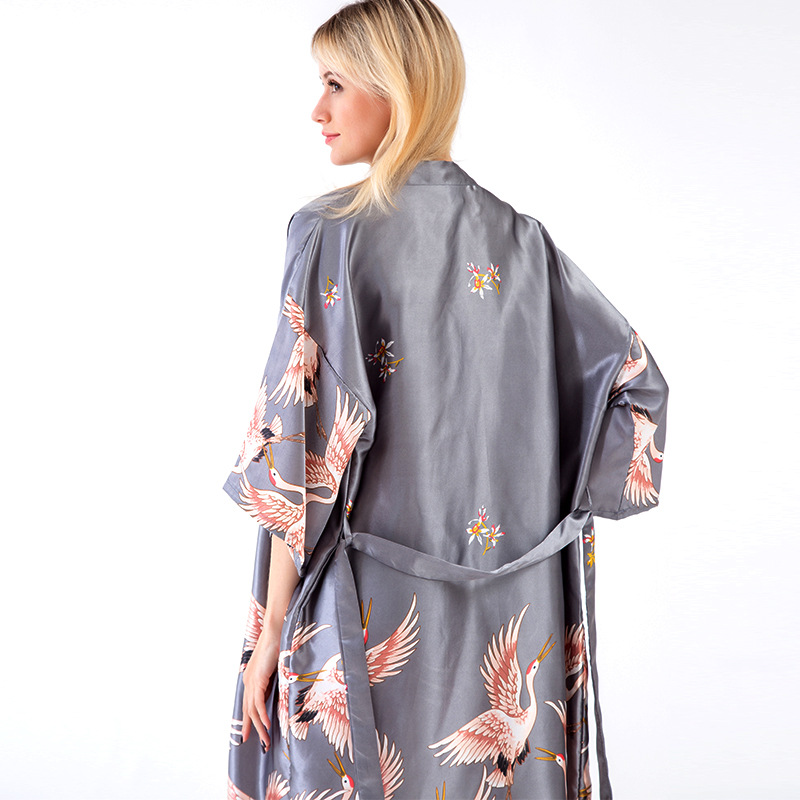 Women's Sleepwear Female Summer Sexy WOMEN'S Viscose Fibre Women's Robes Half-sleeve Shirt Plus-sized Bathrobe Model Silk Bridal