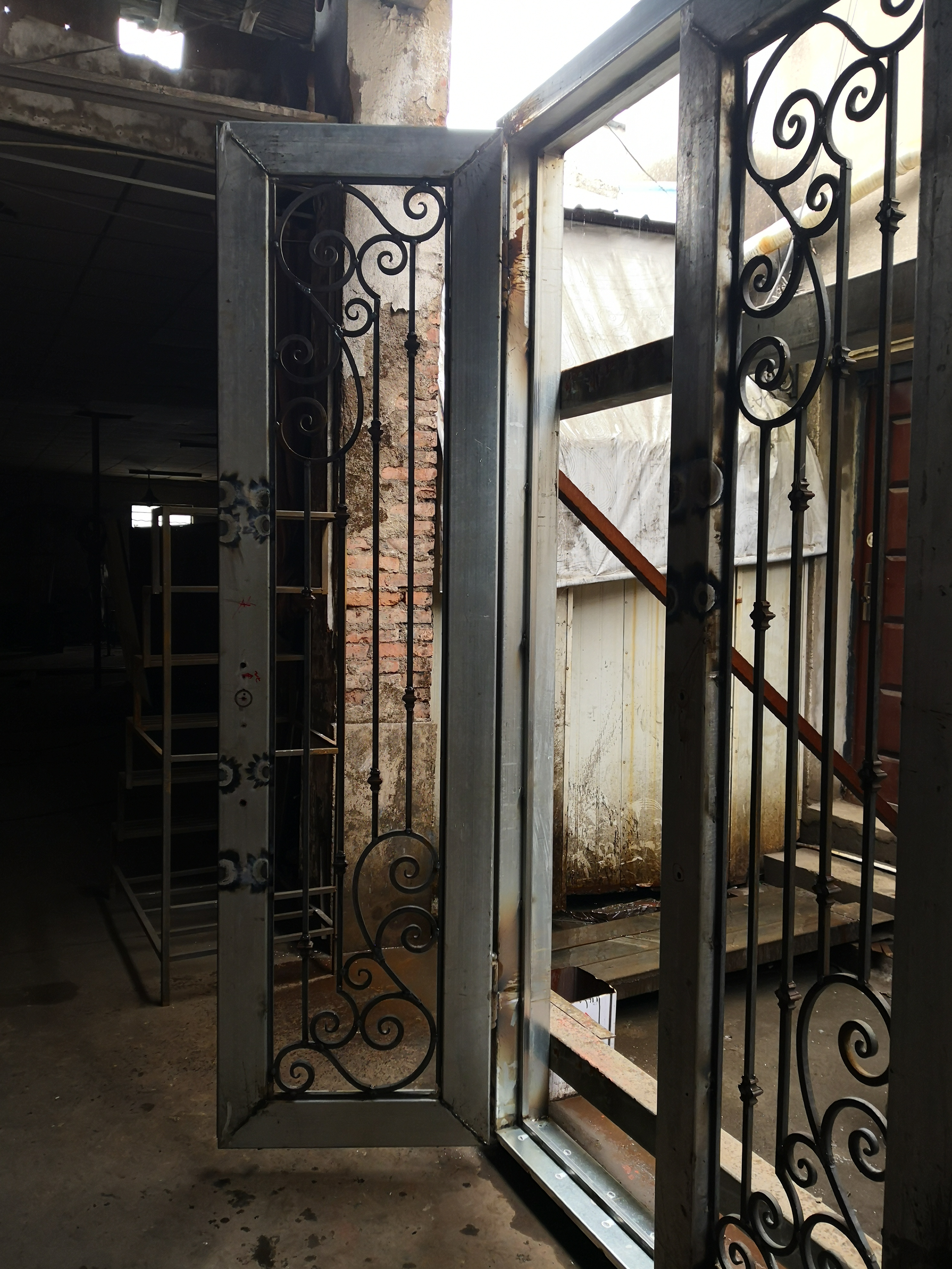 Shanghai Hench Brand China Factory 100% Custom Made Sale Australia Wrought Iron Steel Doors
