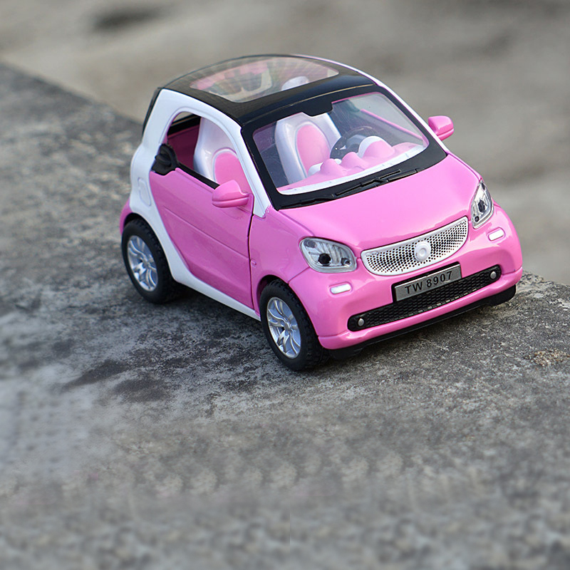 New 1:32 Smart ForTwo Alloy Diecast Vehicle Car Model Pull Back Car With Sound Light Kid Gift Cars Toys For Children Wholesale
