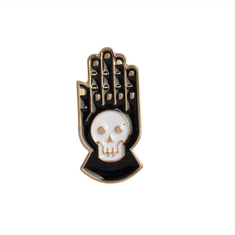 Gotico Del Cranio di Scheletro Spille In Metallo Spille pulsante Distintivi e Simboli Dello Smalto A Mano Maglione Delle Donne Bacio Spilla Nero Spilli Dei Monili di Halloween Regali