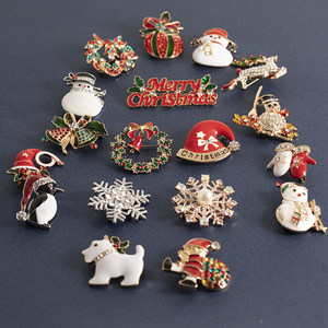 Christmas Brooches Pins Cute Santa Snowman Claus Hat gloves Bells Socks Penguin Candy Enamel Pin Badges Brooch For Women Gift