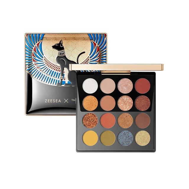 Hermosas paletas de sombras de ojos de 16 colores.