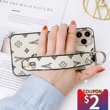 Musubo Brand Wristband Phone Case For iPhone 11Pro 12 Pro Max 7 Plus 8 SE 6 Plus X XR XS Max Luxury Girls Soft Cover Funda Woman