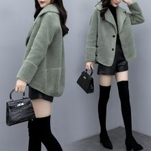 2020 winter new lamb fur and fur all-in-one coat short stitching sheep sheared fur fashion warm coat for women's outer wear