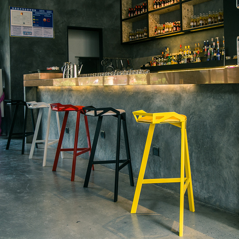 Modern Minimalist Casual Home High Stool Stylish Cafe Bar Table and Chairs Creative Geometric Design Wrought Iron Chair|  - title=