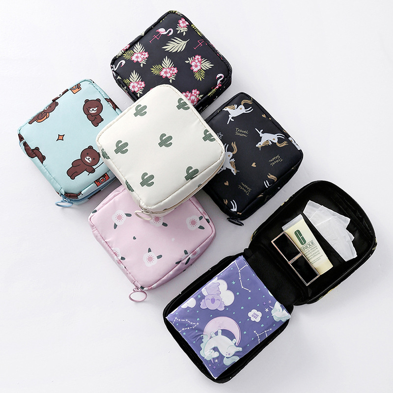 Women's Portable Sanitary Napkin Organizer Bag Cute Sponge Cosmetic Bags Beauty Lipstick Toiletry Makeup Case Travel Necessaire