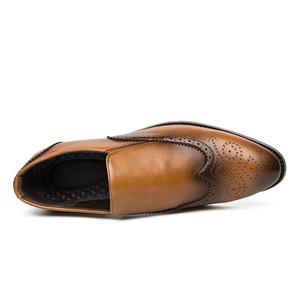 Image 4 - Zapatos de vestir para hombre, calzado Formal Oxford de cuero, estilo oxford, para boda, 2020