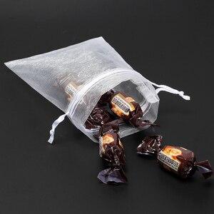 Image 4 - 50 Stks/partij 7X9Cm Wit Sieraden Verpakking Drawable Organza Tassen Wedding Gift Bags Bruiloft Benodigdheden