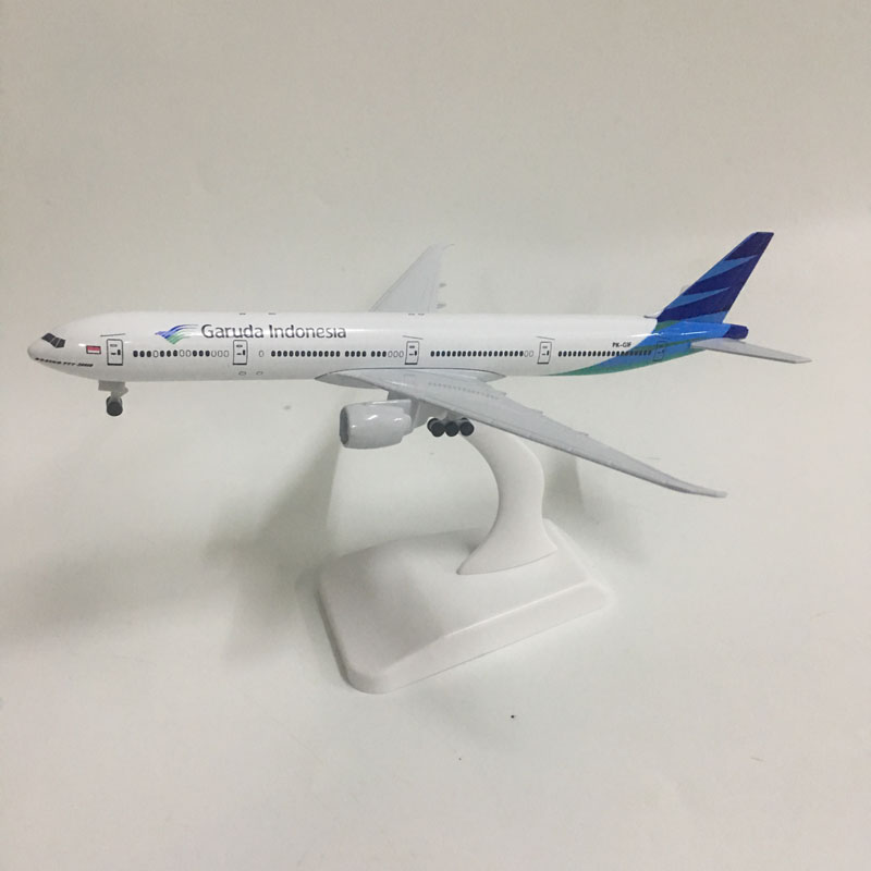 JASON TUTU 20cm Garuda Indonesia Boeing 777-300ER Plane Model Airplane Model Aircraft Model 1:300 Diecast Metal Planes Toys Gift