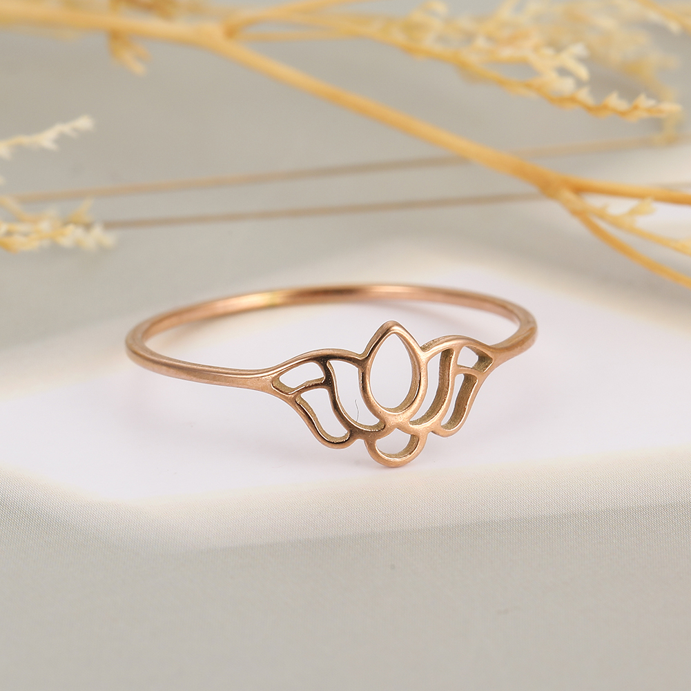 Skyrim Lotus Flower Finger Rings Women Shiny Stainless Steel Casual Ring Gold Color Wedding Anniversary Jewelry Birthday Gift