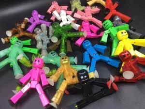 Image 4 - 10 20 Stks/set Kleuren Willekeurig Verzenden Leuke Sticky Dier Robot Sucker Zuignap Grappige Vervormbare Stok Bot Action Figure speelgoed