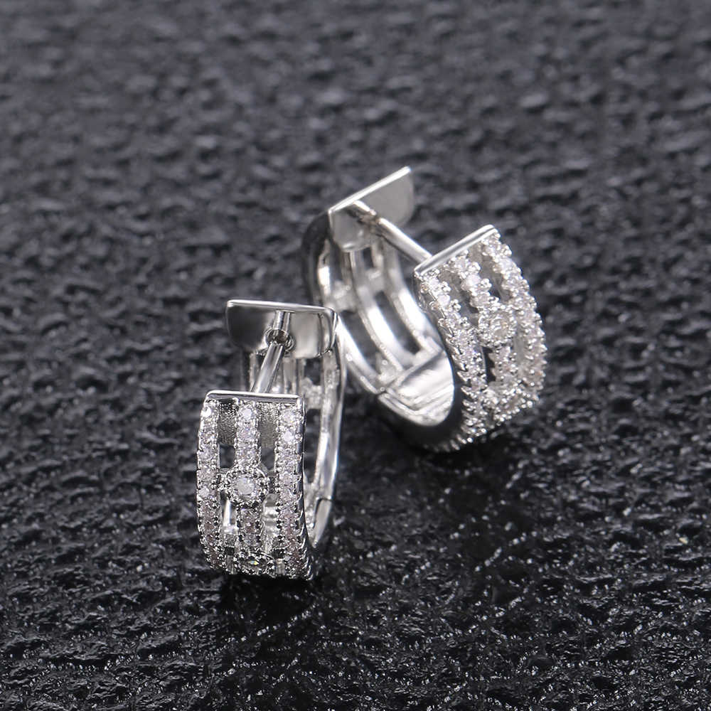 Huitanที่ละเอียดอ่อนขนาดเล็กHoopต่างหูสำหรับสุภาพสตรีฝังCubic Zirconiaคุณภาพสูงงานแต่งงานทุกวันคลาสสิกต่างหูเครื่องประดับ
