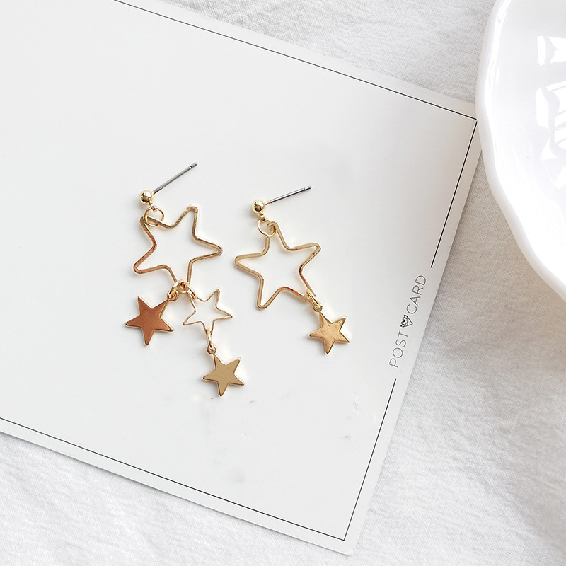 Asymmetric Star Drop Earrings For Women Retro Hollow out Statement Hand Metal Fashion Dangle Earring Jewelry Female Brincos