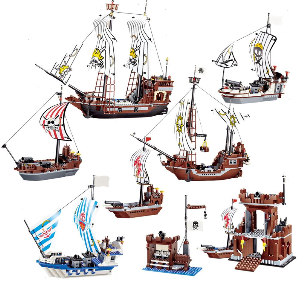 Building Block Pirate Ship Boat Adventure 426pcs (Without Original Packing Box)