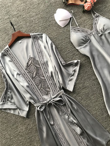 Image 4 - 2019 Women Robe & Gown Sets 섹시한 레이스 수면 라운지 Pijama Long Sleeve Ladies Nightwear 가슴 패드가있는 목욕 가운 나이트 드레스