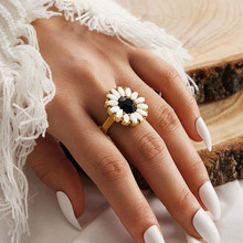 Female Floral Finger Rings Crystal Sunflower Ring Women Gold Color Bridal Engagement Wedding Bands Party Gift Jewelry Lady viennois silver color rings for woman star rings coffee gold color ring jewelry wedding party female finger rings