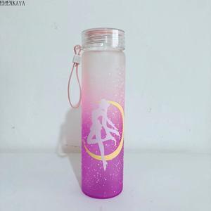 Image 4 - Taza de plástico de colores Sailor Moon, Figura impresa de acción de Anime, resistente al calor, con tapa, portátil, 1 Uds., 500ml