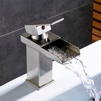 Bathroom Waterfall Basin Sink Faucet Black Faucets Brass Bath Faucet Hot&Cold Water Mixer Vanity Tap Deck Mounted Washbasin tap 24