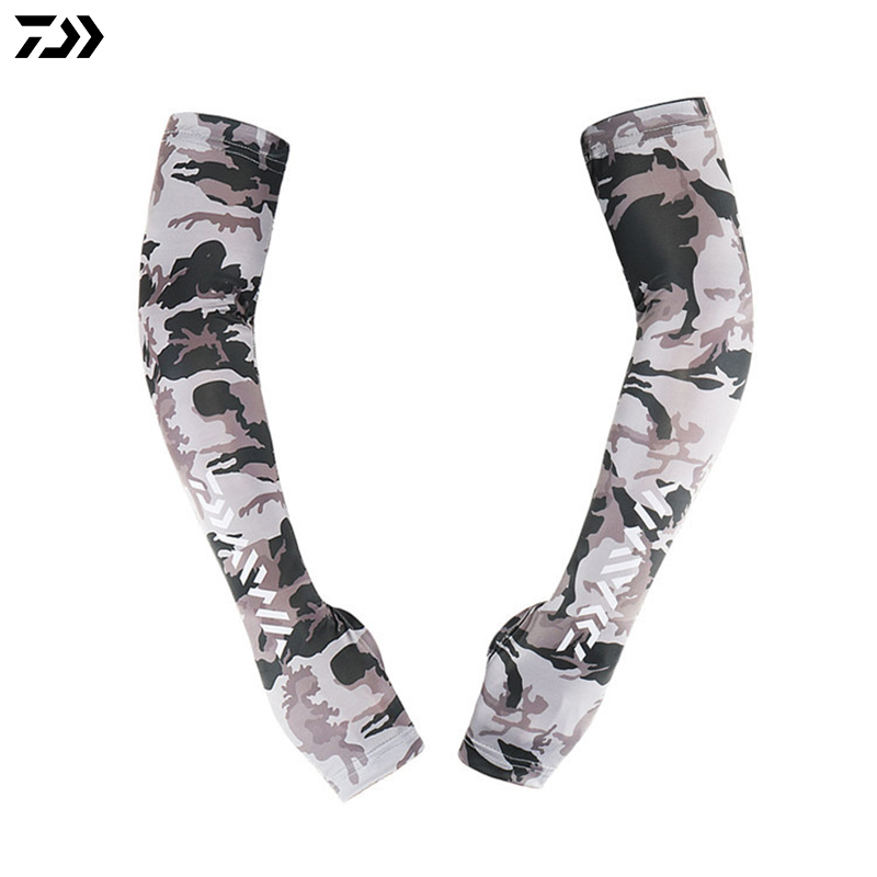 Daiwa Arm Sleeve L XL 1 Pair/Set Ice Fishing Clothing Men Camouflage Arm Sleeve Long Anti UV Outdoor Fingerless Fishing Clothes