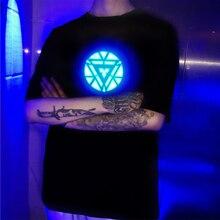 איש ברזל LED אלקטרו פלורסנט EL אור עד אקוסטית בקרת קול הופעל קצר שרוולים מוסיקה חולצה למסיבה