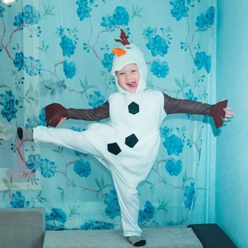 цена Boy Girl Comfy Deluxe Plush Adorable Child Olaf Halloween Costume For Toddler Kids Favorite Cartoon Movie Snowman Party Dress-up онлайн в 2017 году