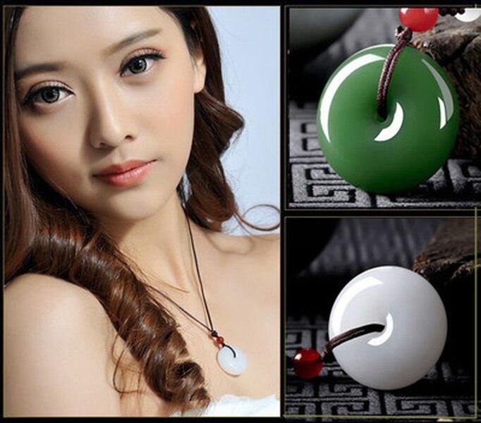 Pendentif en pierre de Jade chinoise et blanche, amulette de Jade vert naturel, bijoux en Jade blanc, breloque Reiki, cadeaux pour femmes sculpté à la main