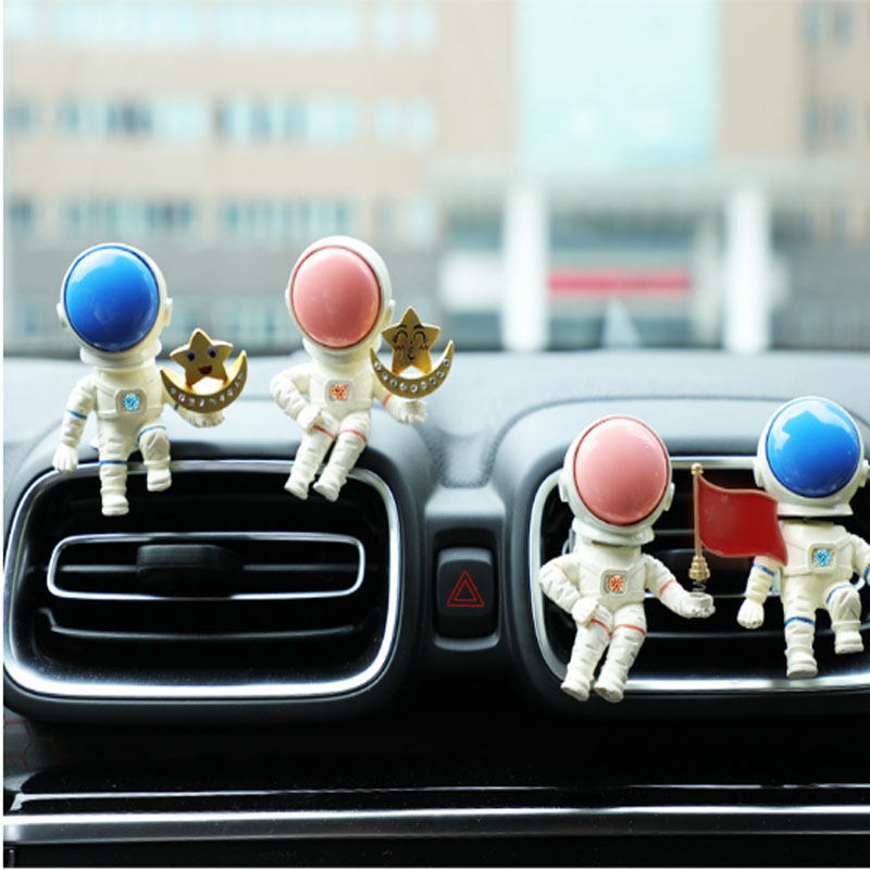 Creative Astronaut Car Perfume Solid Aroma Diffuser Air Conditioning Air Outlet Cute Car Decoration Car Decoration