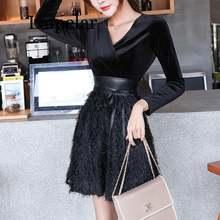 Короткое бархатное платье мини с длинным рукавом v образным