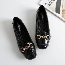 春の新ファッション女性フラットシューズパテントレザーカジュアル金属バックル正方形のつま先のボートのための靴女性 Zapatos Mujer