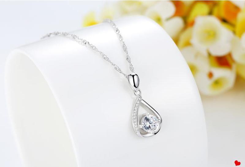 CH-728 brillant femelle cubique Zircon goutte d'eau pendentif collier bijoux femme mode 925 en argent Sterling collier pour les femmes