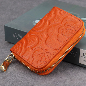COMFORSKIN New Arrivals Embossing Flower Ladies Card Wallet The First Layer Of Cowhide Leather Woman Zipper Coin Purse Wallets(China)