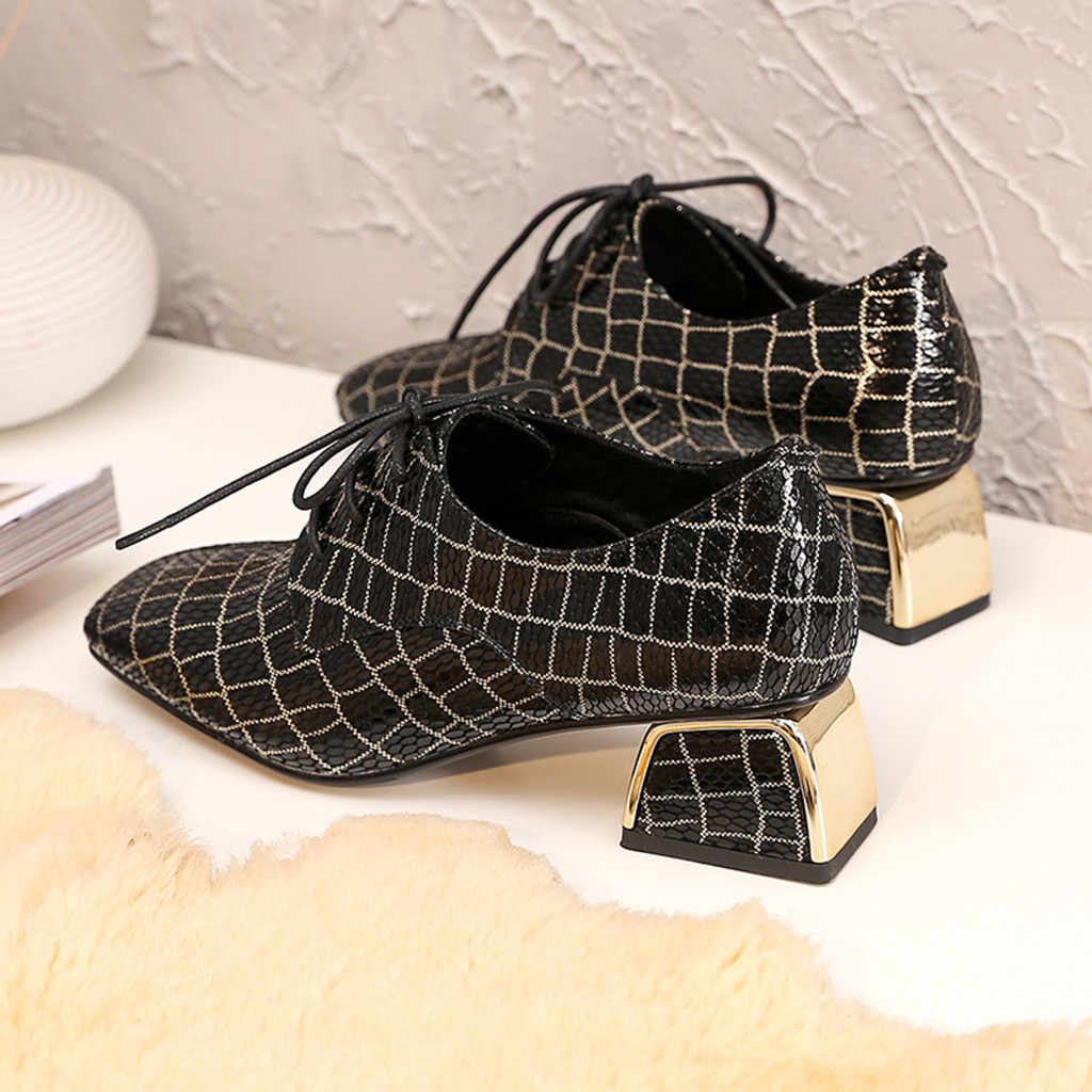 Kadın deri çizmeler bayanlar moda siyah ve beyaz ekose kare ayak batı kare topuklu bağcıklı bayan botları chaussures femme
