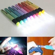 1 pc led luz ganchos de crochê agulhas de tricô tecelagem accessoriestoolscrochet ganchos diy luminosa ferramenta de agulha de tricô