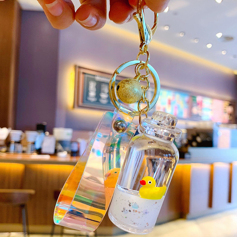 Hot Moving Liquid Keychain Floating Duck Key Chain Cute Animal Keychains Creative Bag Jewelry Key Ring Car Pendant Phone Keyring