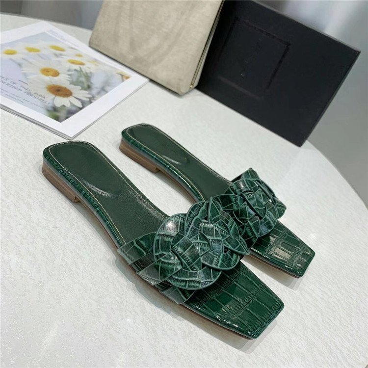 Woven braid Flat slippers Women Square Toe leather Mules Beach Shoes Summer Flat sandals Runway Crystal Shoes zapatos mujer