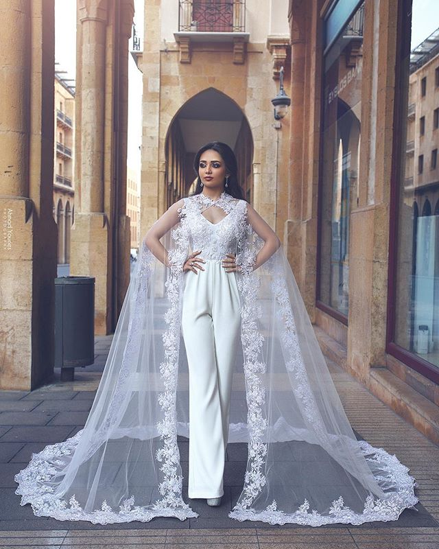 2020 Latest Modern Jumpsuit Wedding Gowns Lace Applique Pant