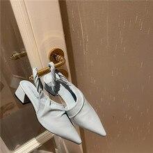 Mulher bombas sapatos estilingue dedo do pé apontado nova moda rasa plissado resistente ao desgaste médio grosso calcanhar deslizamento em couro de patente