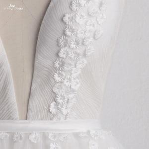 Image 4 - LZ400 parlak inciler küçük çiçekler düğün elbisesi v yaka kolsuz A Line gelin elbise peçe ile Vestido De Noiva