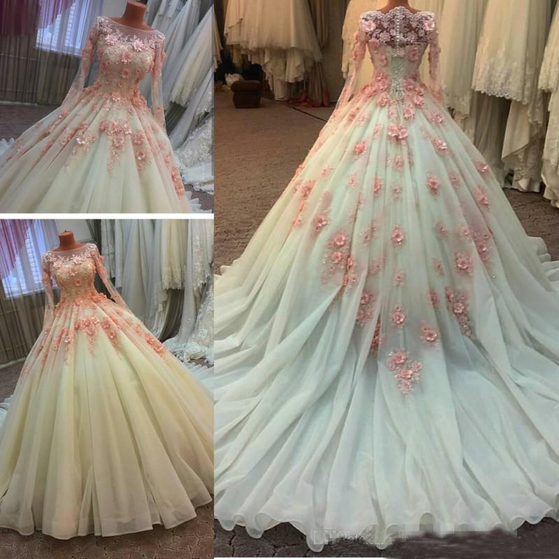 Muslim Wedding Dresses With Long Sleeves Middle East 3D-Floral Appliques Beaded Lace Bridal Gowns Custom Size Wedding Dresses