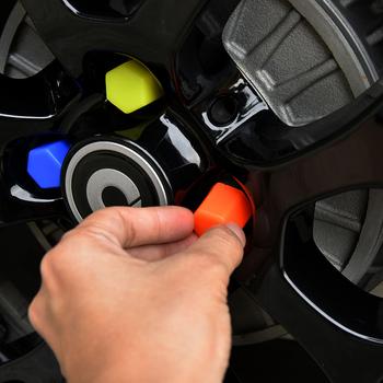 4 sztuk koło samochodowe nakrętka śruby Protcetion pokrywa wykończenie zewnętrzne akcesoria samochodowe do stylizacji dla Mercedes Smart 453 fortwo forfour tanie i dobre opinie TOONIES Opony i Obręczy Zmieniające kolor RUBBER Inne naklejki 3d Bez opakowania LS-1023 For Mercedes Smart 453 fortwo forfour