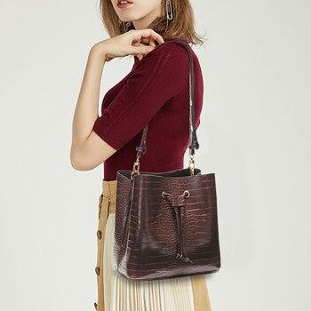 Bandolera bolso bandolera de cubo para mujer bolsos cruzados de diseño de lujo larga correa ajustable cuero de PU negro
