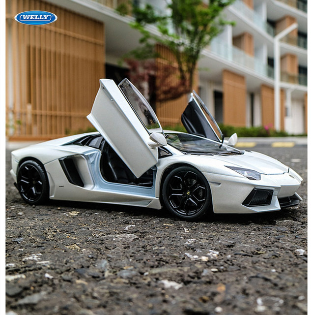 welly 1:24 Lamborghini Aventador LP700-4 Simulation Classic Diecast Vehicle Car Model Metal Toys For Children Collection Gifts