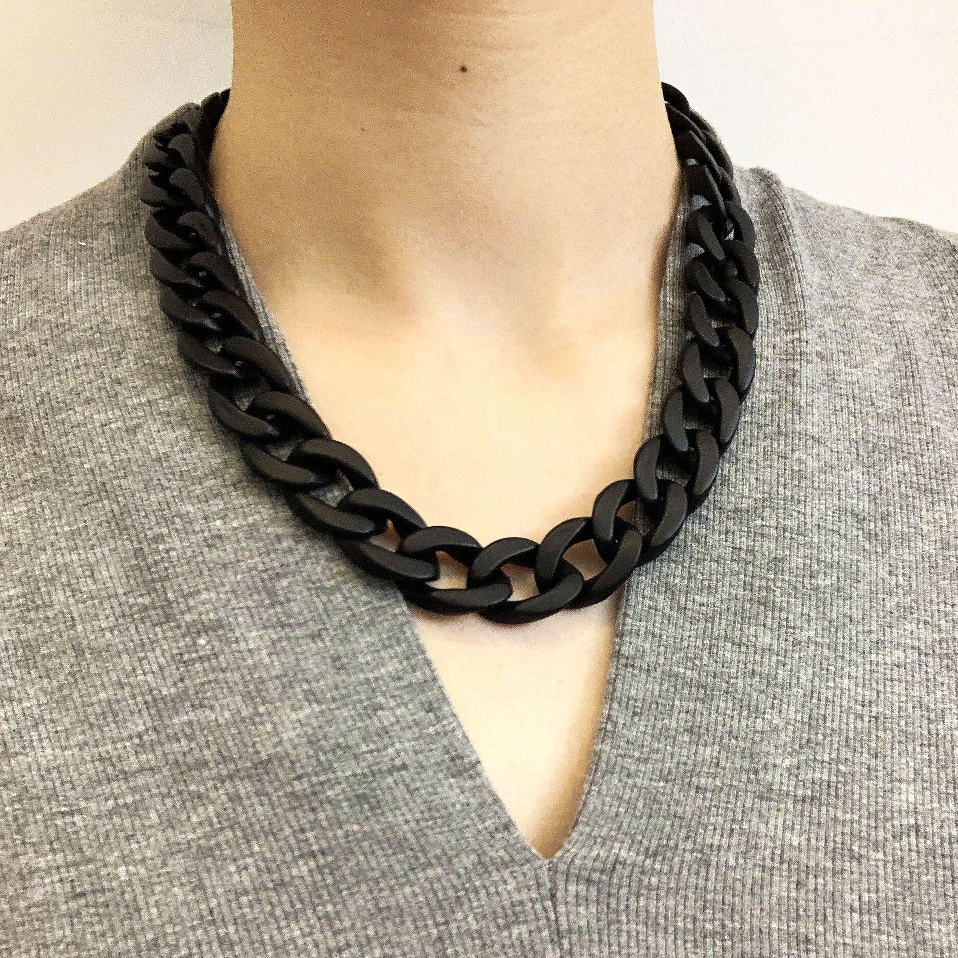Europeu e americano popular simples jóias com personalidade acrílica corrente clavícula corrente colar para feminino atacado