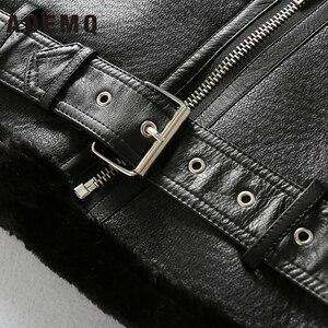 Image 5 - AOEMQ Retro yeni yaka ve kadife yastıklı kürk bir ceket sıcak moda PU deri kuzu saç motosiklet giyim bombacı ceket