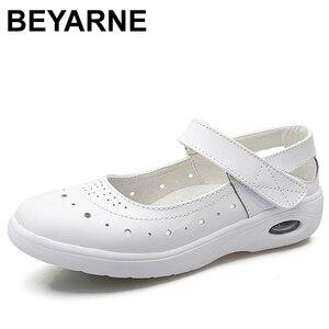 Image 1 - BEYARNEWomen płaskie buty kobieta obuwie miękkie wygodne damskie SlipOn pielęgniarka mokasyny białe oddychające płaskie zapatillas mujer