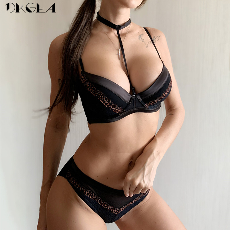 Fashion Halter Sexy Bra Panty Set Women Underwear Cotton Embroidery Lace Lingerie Set Push-Up Bra A B C D Cup Thick Brassiere