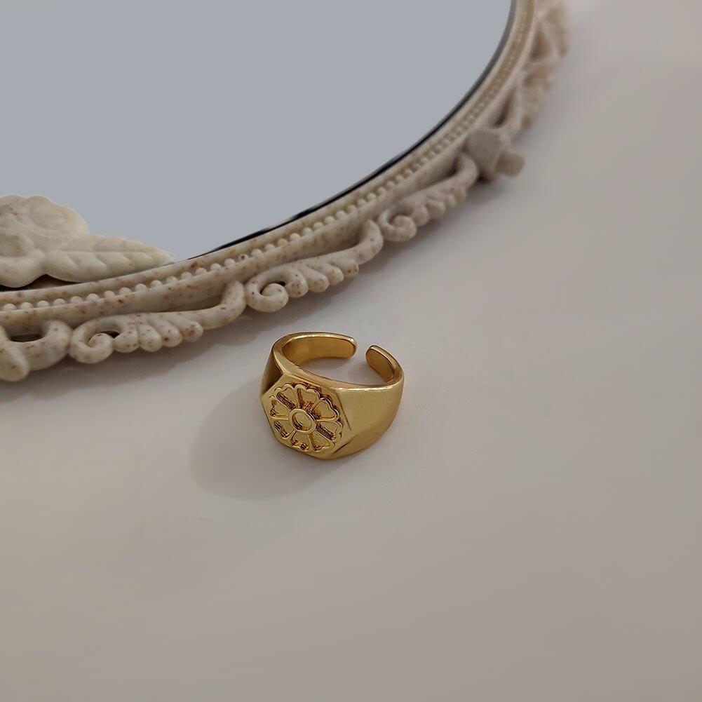 Flatfoosie 2021 nuovi anelli intagliati piccoli fiori margherita per le donne anelli aperti geometrici in ottone dorato regalo di gioielli da sposa moda corea
