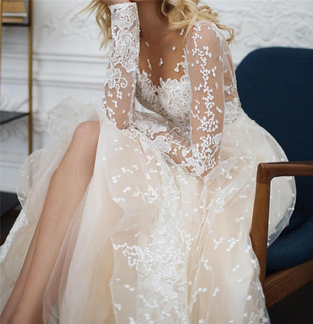 Scoop Scatted Lace Long Sleeves Champagne Wedding Dress Open Back Tulle Applique Fashion Bridal Dress vestidos noiva 3