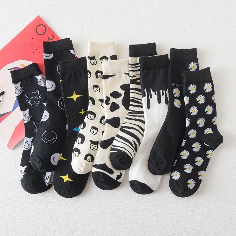 Japanese Cartoon Jacquard Cotton Socks Women Men Novelty Creative Cat Cow Zebra Portrait Smiley Daisy Star Funny Socks Neutral